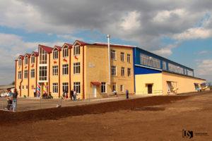 В Заводском открыли республиканскую конно-спортивную школу