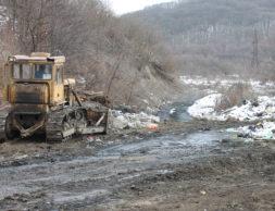 РСО-Алания, свалка вблизи памятника жертвам ледника 3 (1)