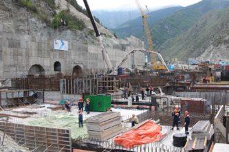 Строительно-монтажные работы на станционной площадке Зарамагской ГЭС-1